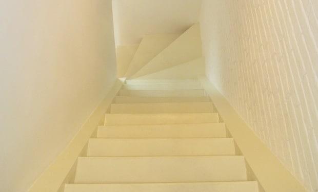 Trap verven mogelijkheden prijs tips voorbeelden geverfde trappen