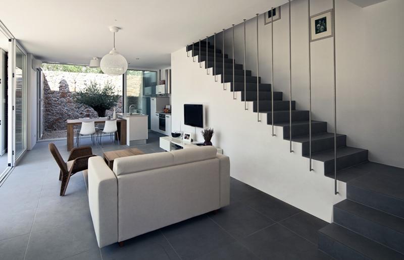 Design trappen realisaties prijs advies design trap plaatsen - Woonkamer met trap ...