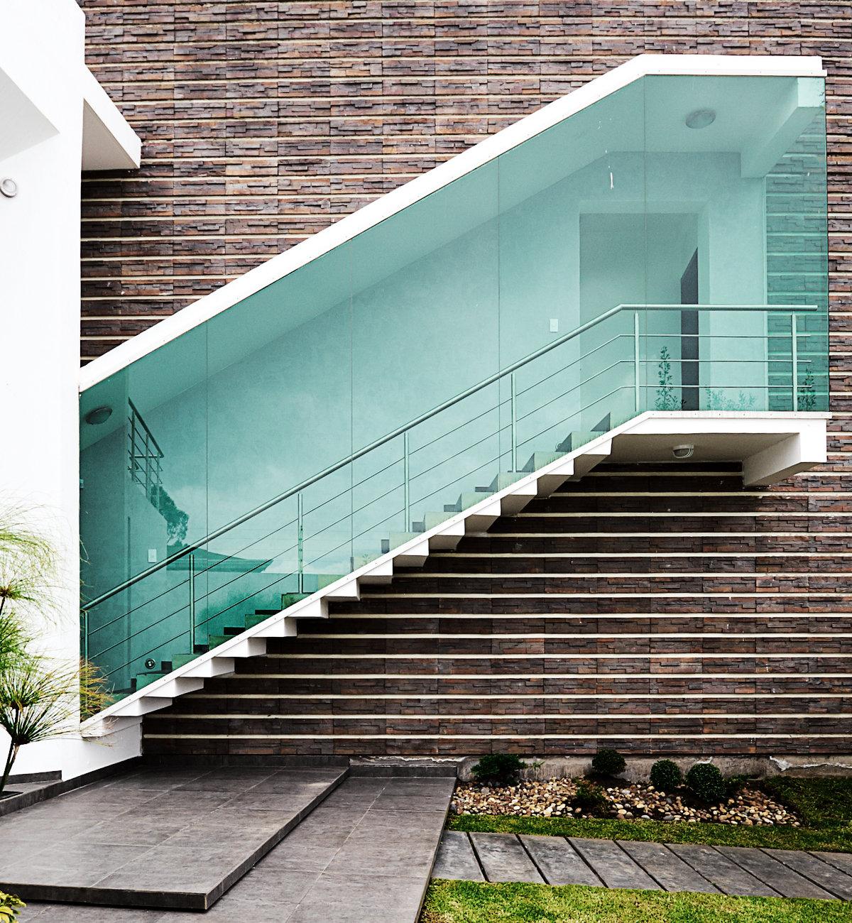 Buitentrappen geschikte materialen met hun voordelen en prijs - Moderne buitentrap ...