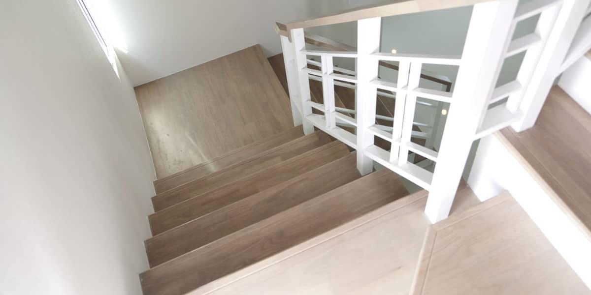 Houten trappen prijs advies belangrijke eigenschappen - Redo houten trap ...