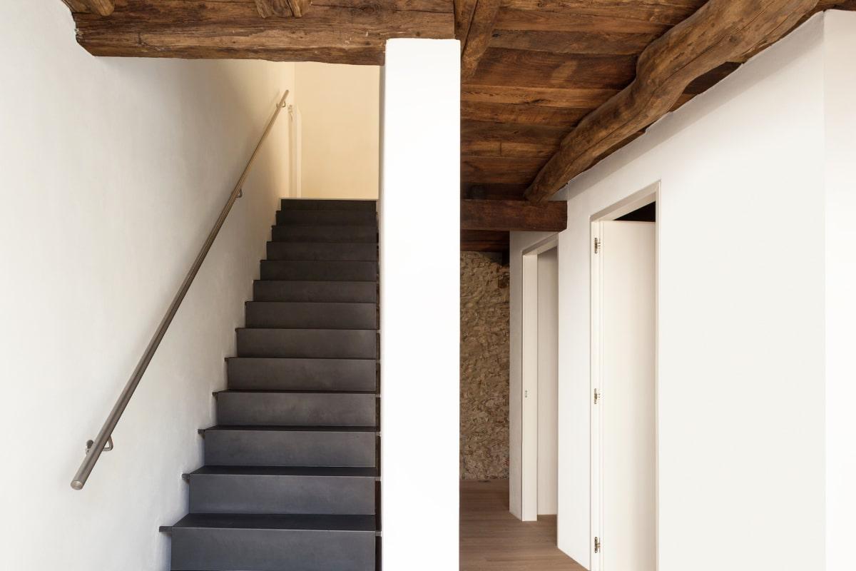 landelijke trappen in staal