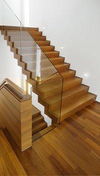 Trappen inspiratie informatie trappen for Houten trap plaatsen