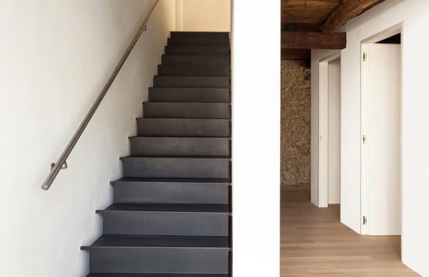 Traprenovatie prijs advies mogelijkheden realisaties - Renovatie van een houten trap ...