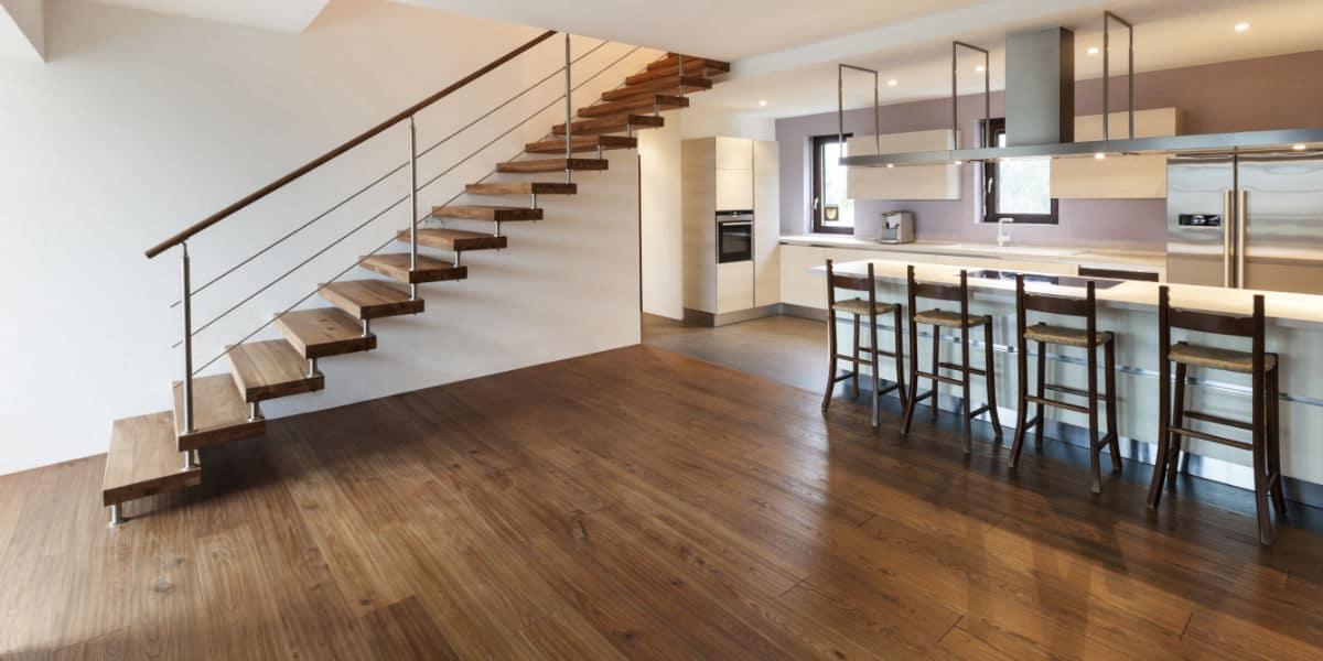 Houten trappen prijs advies belangrijke eigenschappen for Steektrap hout
